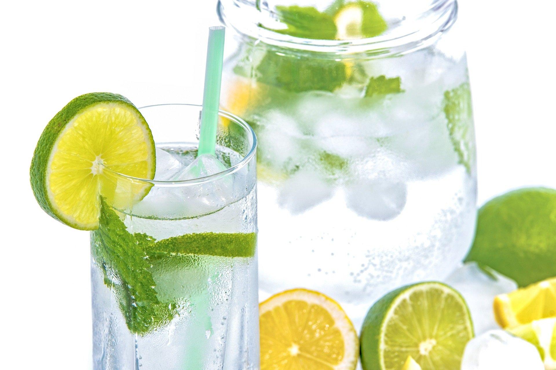 idratazione_acqua_limone